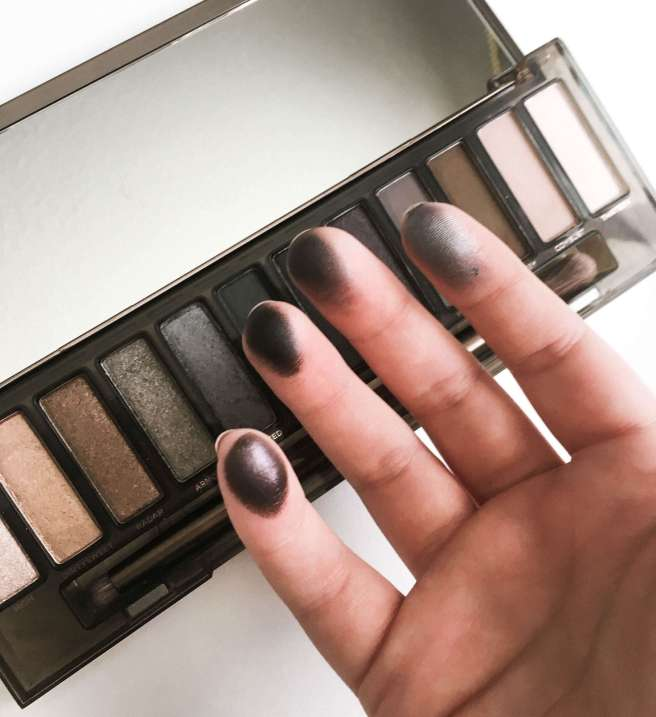 Urban Decay Naked Smoky Finger Swatches